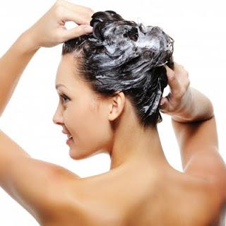 Metody mycia włosów.