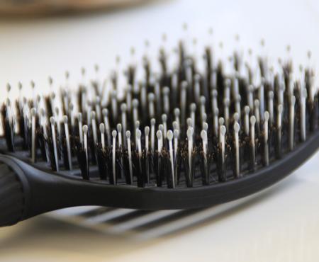 Jak czyścić szczotkę Finger Brush?