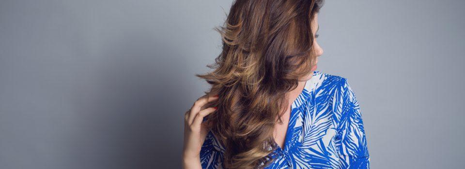 10 szybkich trików na ładniejsze włosy